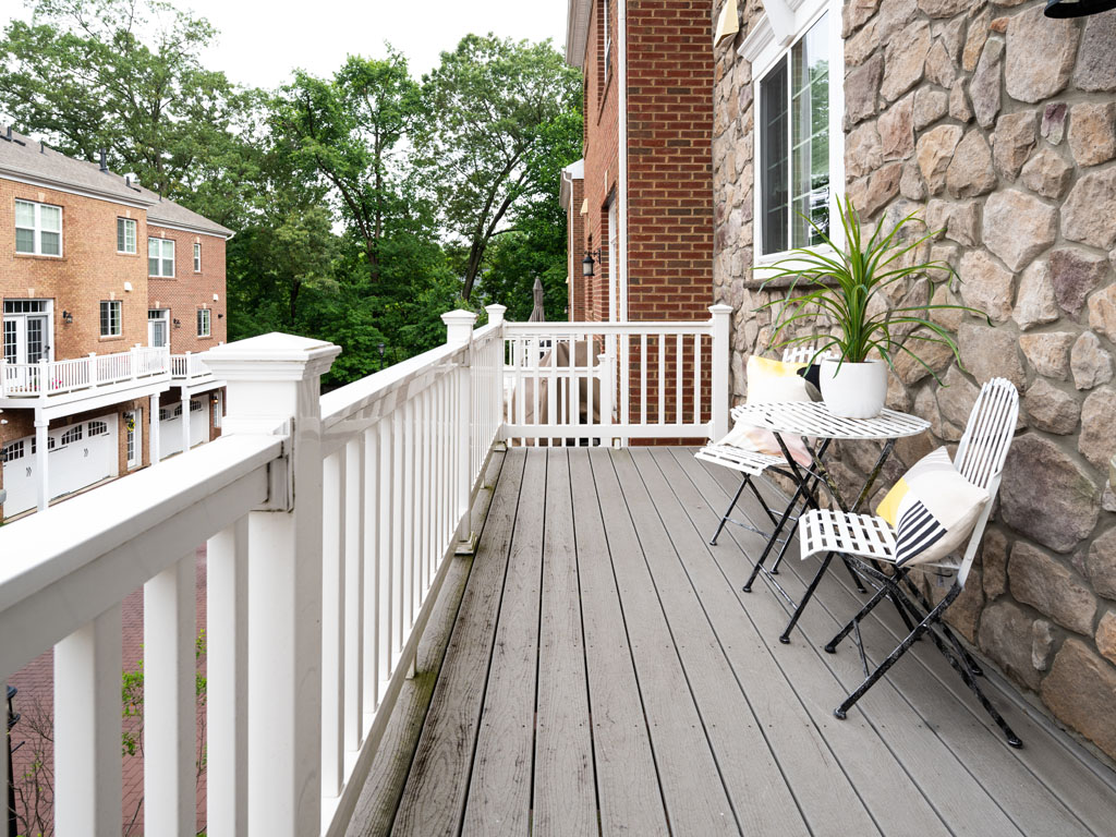 3904_deck-1  |   | Fairfax Delaware Real Estate For Sale | MLS# Vafc120042  - Best of Northern Virginia