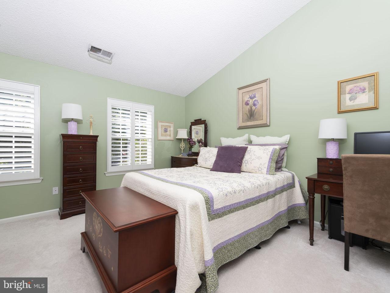 1002640508-300537944256-2021-07-22-05-00-37     Pinecrest   Alexandria Delaware Real Estate For Sale   MLS# 1002640508  - Best of Northern Virginia
