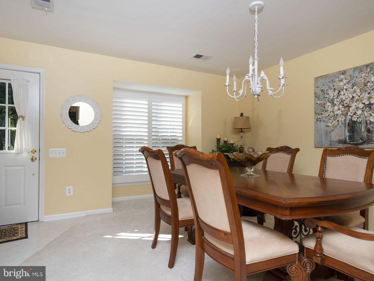 1002640508-300537944323-2021-07-22-05-00-38     Pinecrest   Alexandria Delaware Real Estate For Sale   MLS# 1002640508  - Best of Northern Virginia