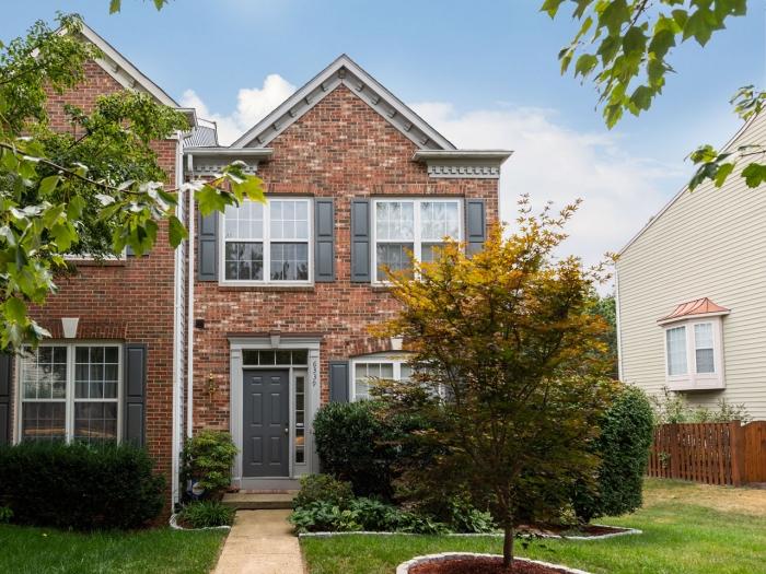 6339 Burgundy Leaf Ln   - Best of Northern Virginia Real Estate