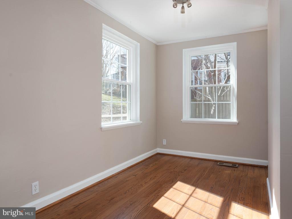 VAAR176172-304486524143-2021-07-15-13-01-44  |  Fairlington Commons | Arlington Delaware Real Estate For Sale | MLS# Vaar176172  - Best of Northern Virginia