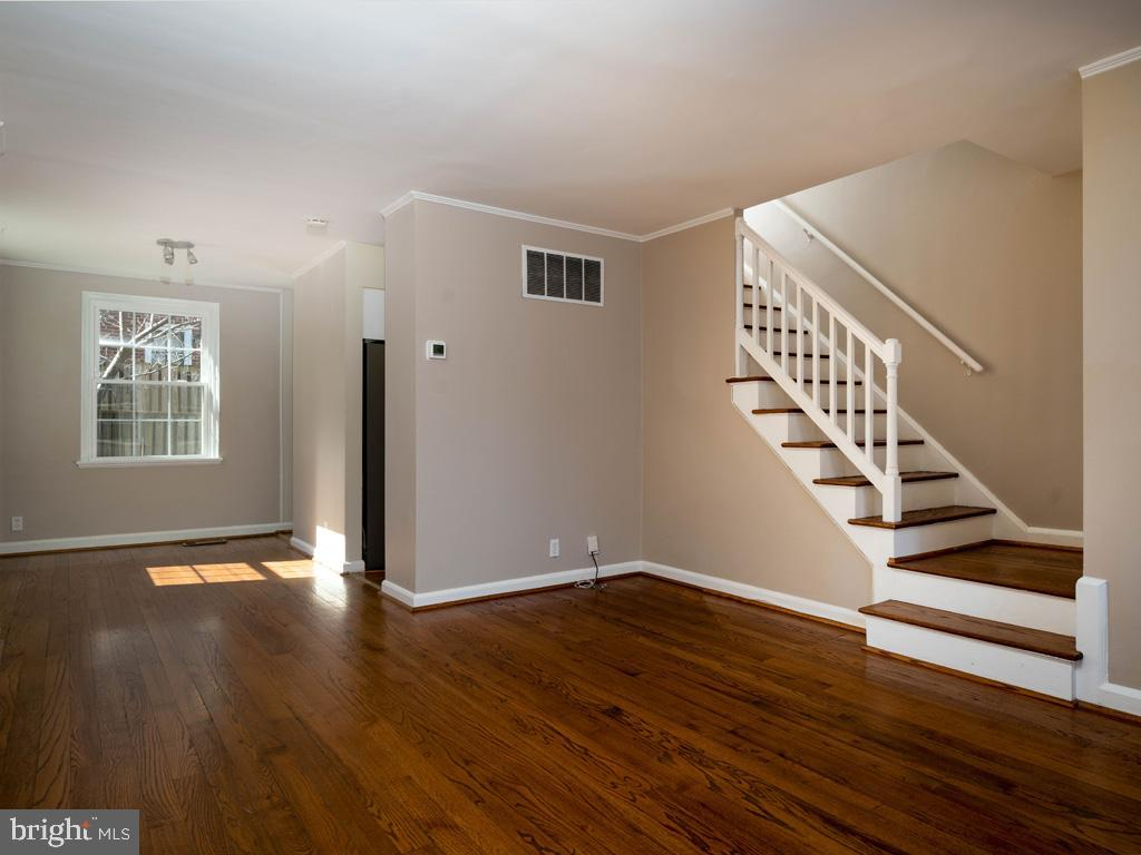 VAAR176172-304486524255-2021-07-15-13-01-42  |  Fairlington Commons | Arlington Delaware Real Estate For Sale | MLS# Vaar176172  - Best of Northern Virginia