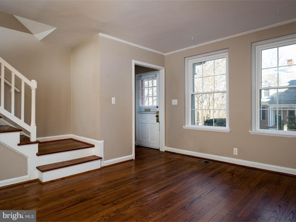 VAAR176172-304486524265-2021-07-15-13-01-43  |  Fairlington Commons | Arlington Delaware Real Estate For Sale | MLS# Vaar176172  - Best of Northern Virginia