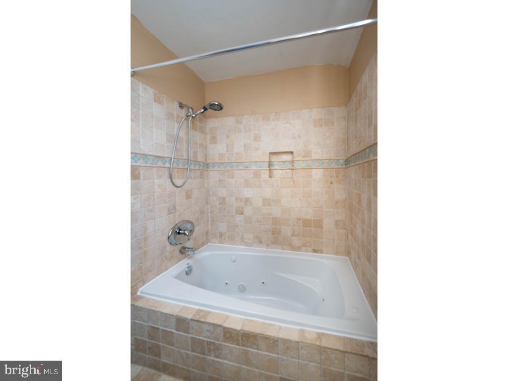 VAAR176172-304486524310-2021-07-15-13-01-43  |  Fairlington Commons | Arlington Delaware Real Estate For Sale | MLS# Vaar176172  - Best of Northern Virginia