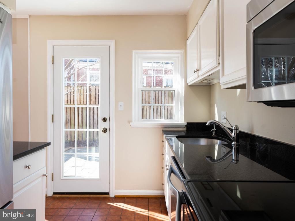 VAAR176172-304486525138-2021-07-15-13-01-43  |  Fairlington Commons | Arlington Delaware Real Estate For Sale | MLS# Vaar176172  - Best of Northern Virginia