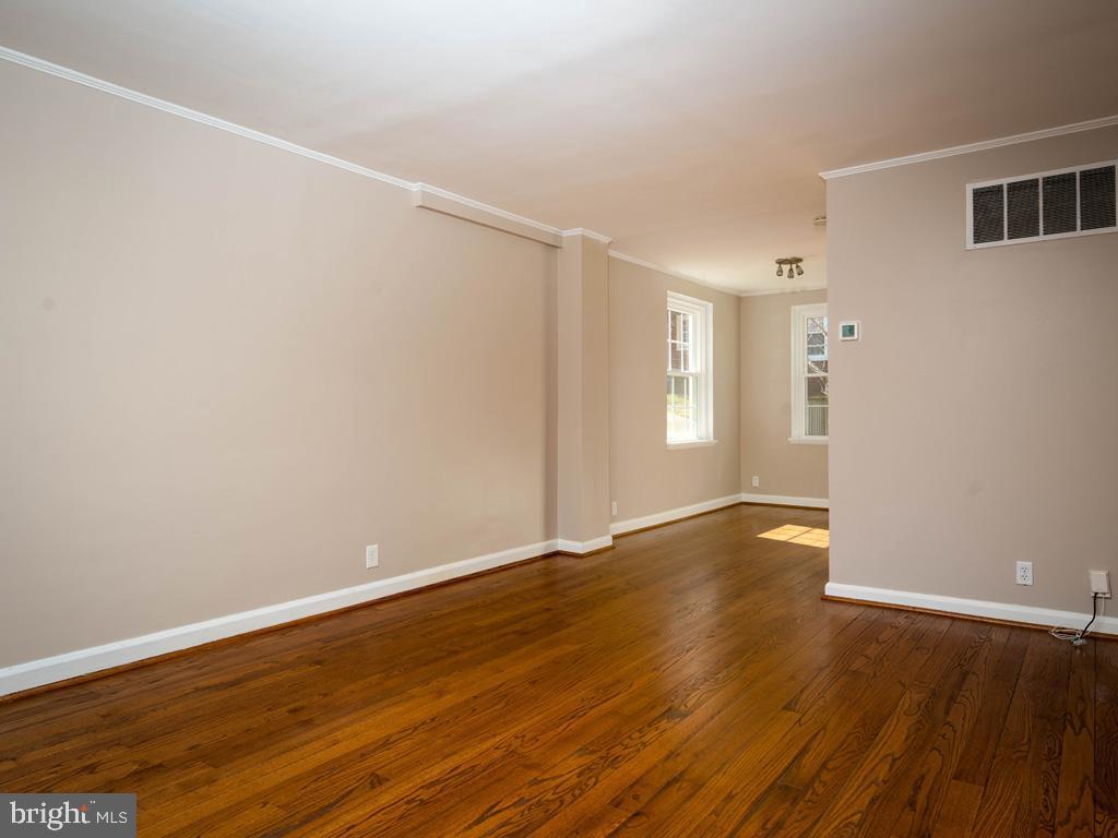 VAAR176172-304486525150-2021-07-15-13-01-42  |  Fairlington Commons | Arlington Delaware Real Estate For Sale | MLS# Vaar176172  - Best of Northern Virginia