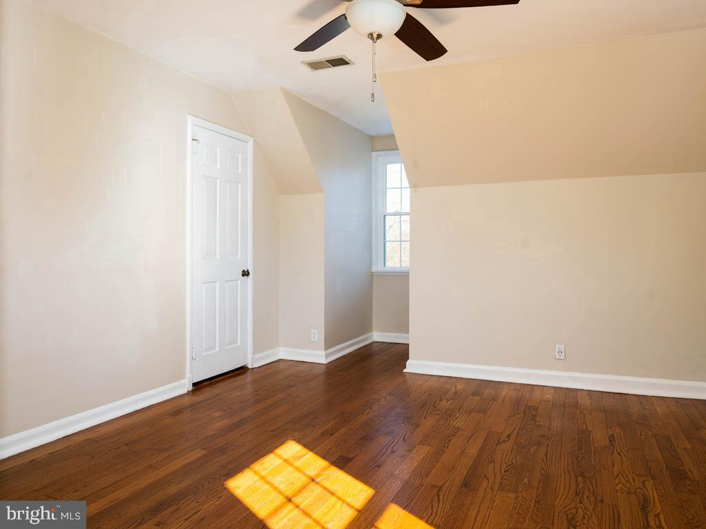 VAAR176172-304486525361-2021-07-15-13-01-46  |  Fairlington Commons | Arlington Delaware Real Estate For Sale | MLS# Vaar176172  - Best of Northern Virginia
