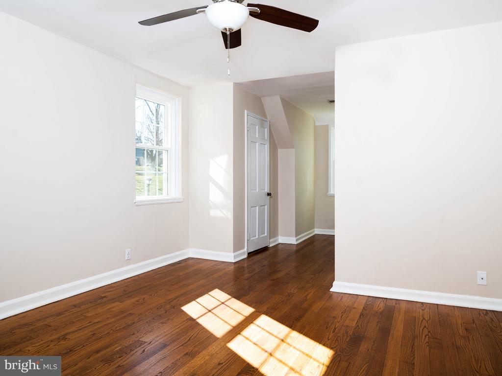 VAAR176172-304486525370-2021-07-15-13-01-45  |  Fairlington Commons | Arlington Delaware Real Estate For Sale | MLS# Vaar176172  - Best of Northern Virginia