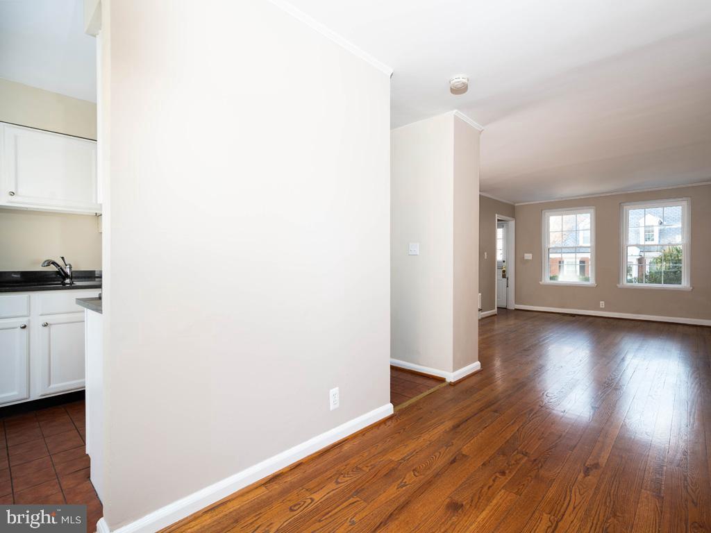 VAAR176172-304488245274-2021-07-15-13-01-45  |  Fairlington Commons | Arlington Delaware Real Estate For Sale | MLS# Vaar176172  - Best of Northern Virginia