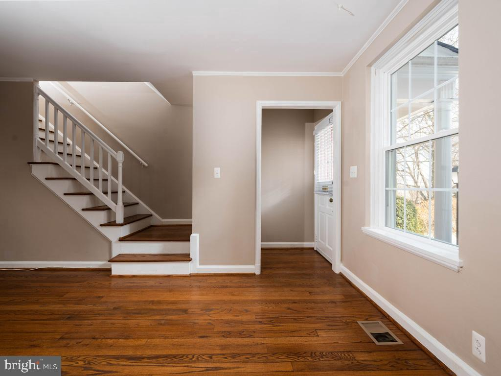 VAAR176172-304488246457-2021-07-15-13-01-42  |  Fairlington Commons | Arlington Delaware Real Estate For Sale | MLS# Vaar176172  - Best of Northern Virginia