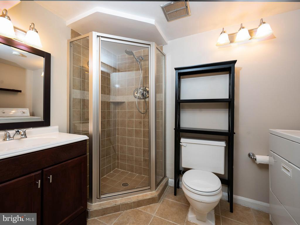 VAAR176172-304488247002-2021-07-15-13-01-45  |  Fairlington Commons | Arlington Delaware Real Estate For Sale | MLS# Vaar176172  - Best of Northern Virginia