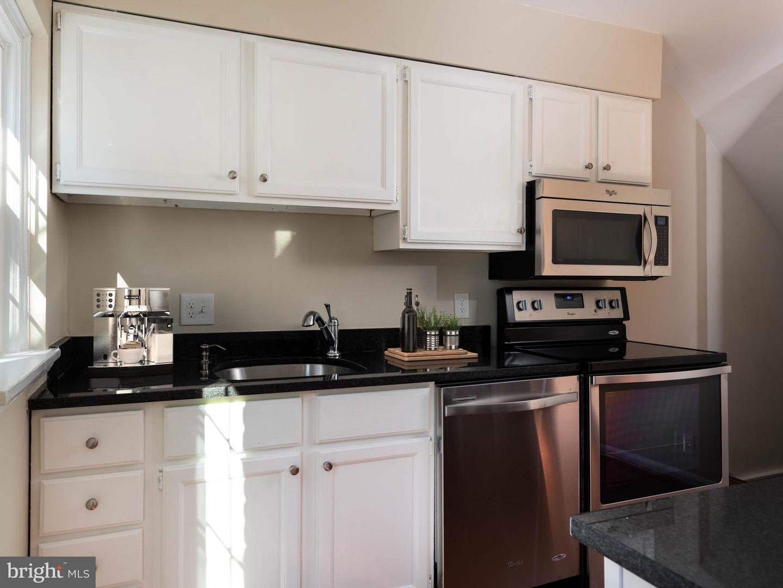 VAAR176172-304502972495-2021-07-15-13-01-41  |  Fairlington Commons | Arlington Delaware Real Estate For Sale | MLS# Vaar176172  - Best of Northern Virginia