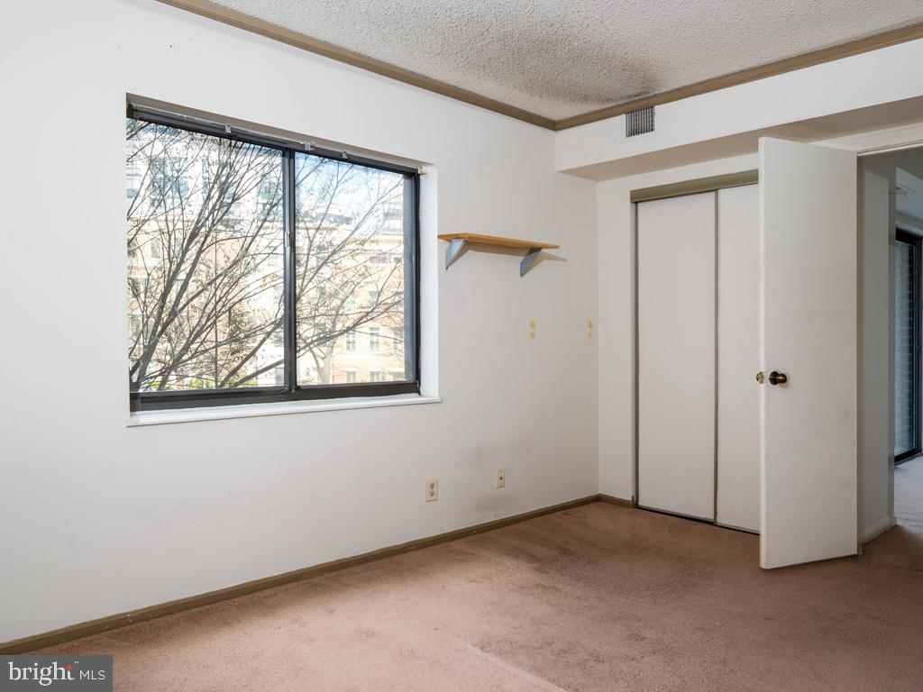 VAAR178638-304536035397-2021-07-15-21-38-23  |  Belvedere | Arlington Delaware Real Estate For Sale | MLS# Vaar178638  - Best of Northern Virginia