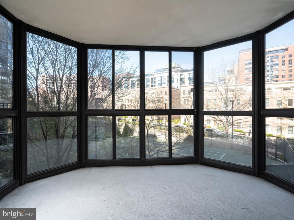 VAAR178638-304536036189-2021-07-15-21-38-24  |  Belvedere | Arlington Delaware Real Estate For Sale | MLS# Vaar178638  - Best of Northern Virginia