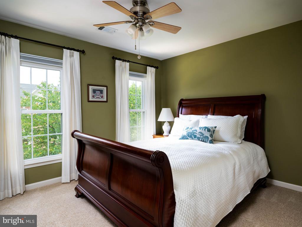 VAFC121584-304646791940-2021-07-15-02-30-10        Fairfax Delaware Real Estate For Sale   MLS# Vafc121584  - Best of Northern Virginia