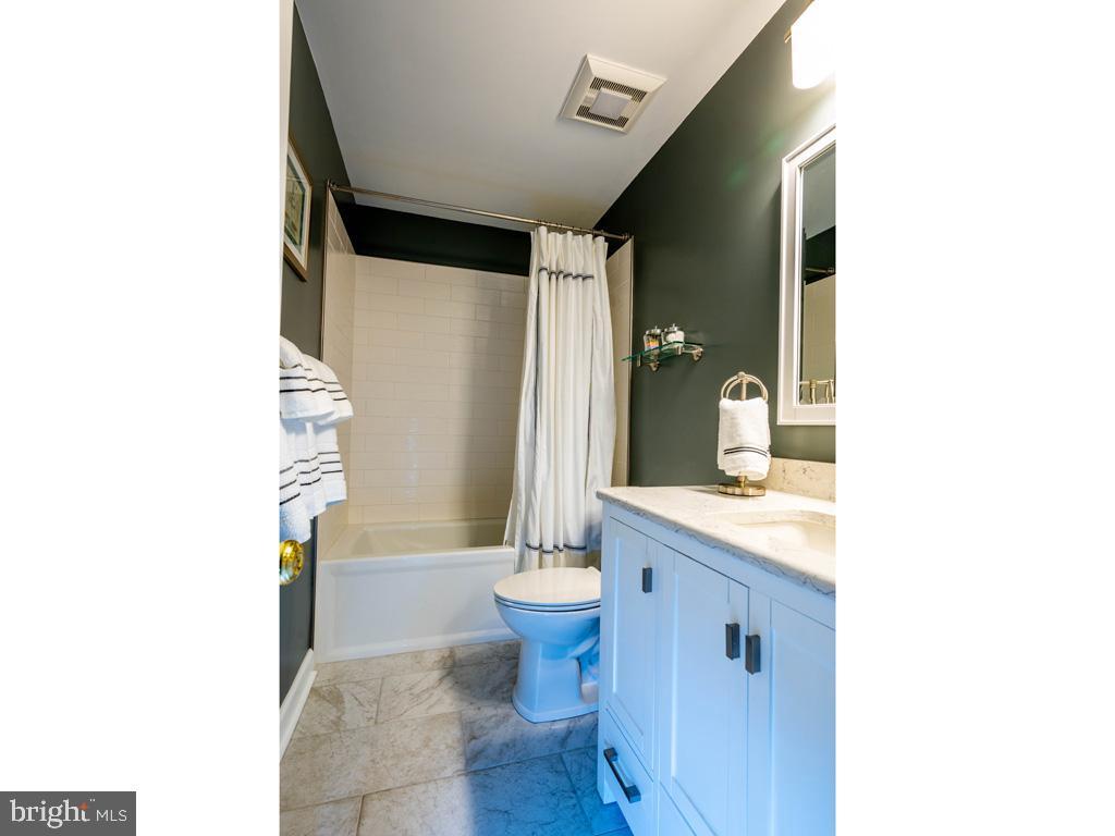 VAFC121584-304646792173-2021-07-15-02-30-13        Fairfax Delaware Real Estate For Sale   MLS# Vafc121584  - Best of Northern Virginia