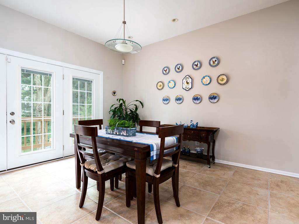 VAFC121584-304646793356-2021-07-15-02-30-09        Fairfax Delaware Real Estate For Sale   MLS# Vafc121584  - Best of Northern Virginia
