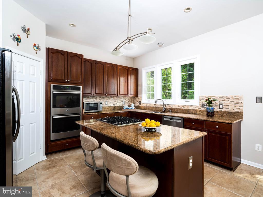 VAFC121584-304646793662-2021-07-15-02-30-10        Fairfax Delaware Real Estate For Sale   MLS# Vafc121584  - Best of Northern Virginia