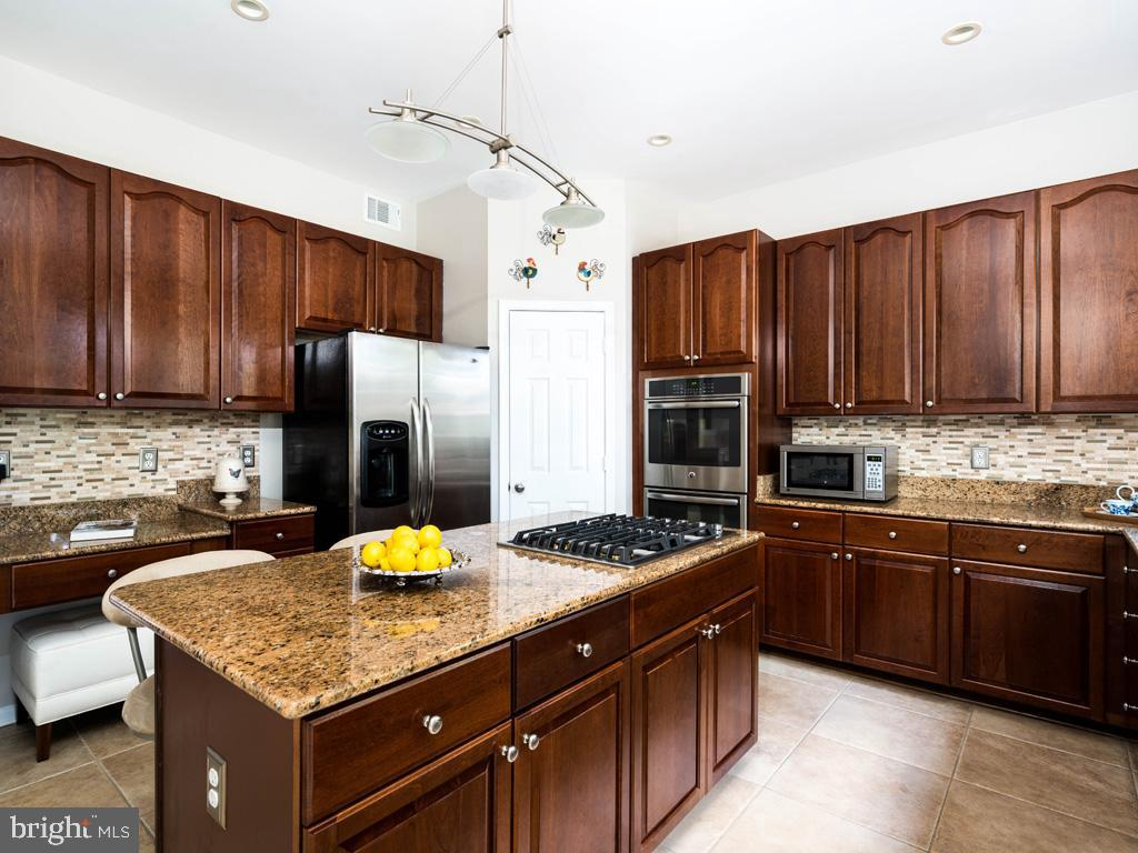 VAFC121584-304646793676-2021-07-15-02-30-12        Fairfax Delaware Real Estate For Sale   MLS# Vafc121584  - Best of Northern Virginia