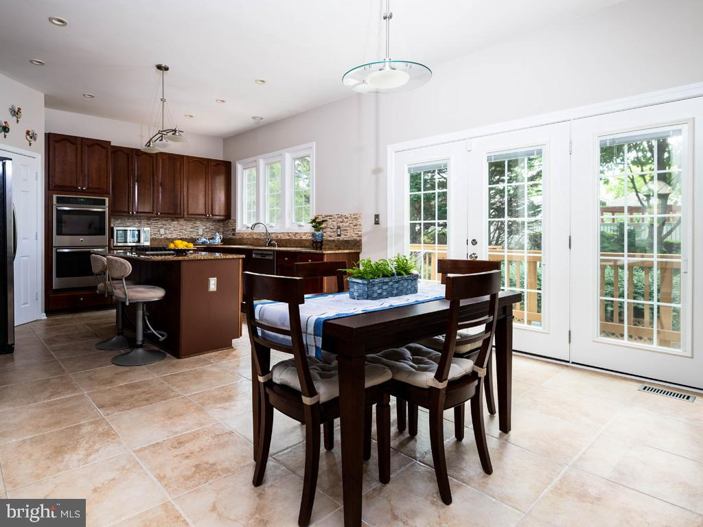 VAFC121584-304646794638-2021-07-15-02-30-09        Fairfax Delaware Real Estate For Sale   MLS# Vafc121584  - Best of Northern Virginia