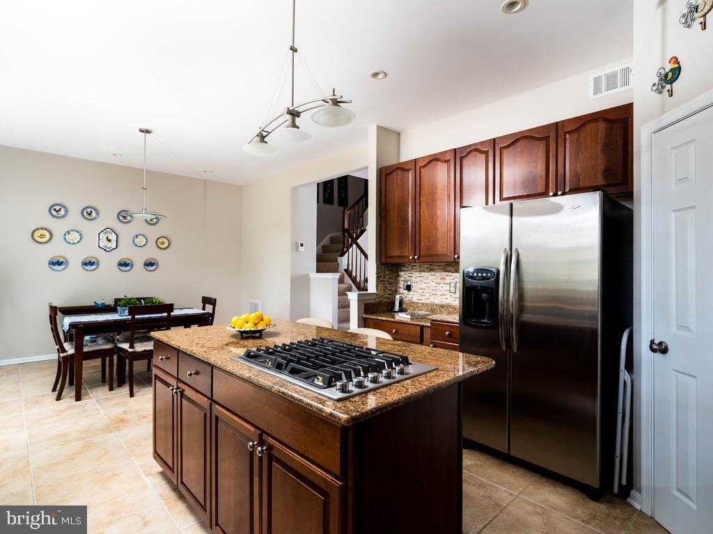VAFC121584-304646794717-2021-07-15-02-30-11        Fairfax Delaware Real Estate For Sale   MLS# Vafc121584  - Best of Northern Virginia