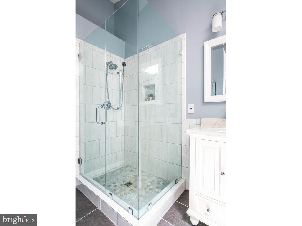 VAFC121584-304646794979-2021-07-15-02-30-13        Fairfax Delaware Real Estate For Sale   MLS# Vafc121584  - Best of Northern Virginia