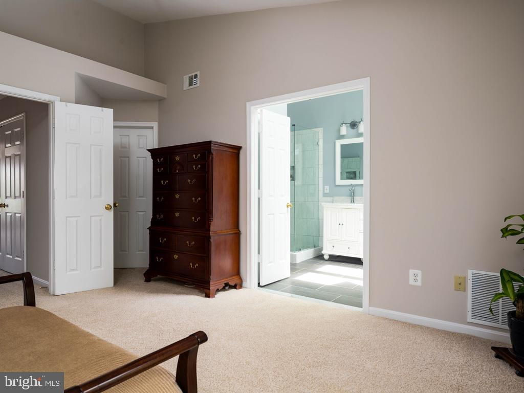 VAFC121584-304646795027-2021-07-15-02-30-09        Fairfax Delaware Real Estate For Sale   MLS# Vafc121584  - Best of Northern Virginia