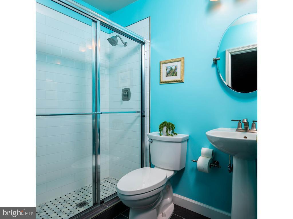 VAFC121584-304646815774-2021-07-15-02-30-09        Fairfax Delaware Real Estate For Sale   MLS# Vafc121584  - Best of Northern Virginia