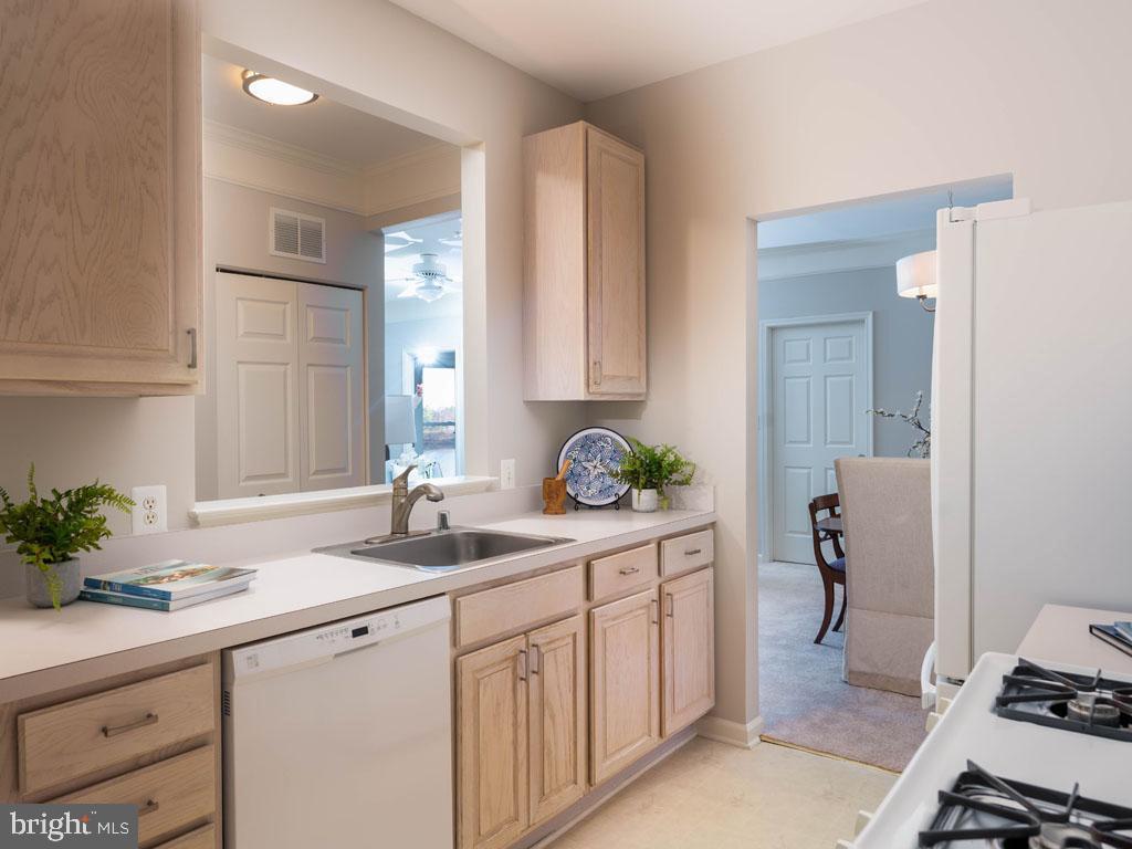 VAFX1166940-304421900331-2021-07-16-19-45-16        Alexandria Delaware Real Estate For Sale   MLS# Vafx1166940  - Best of Northern Virginia