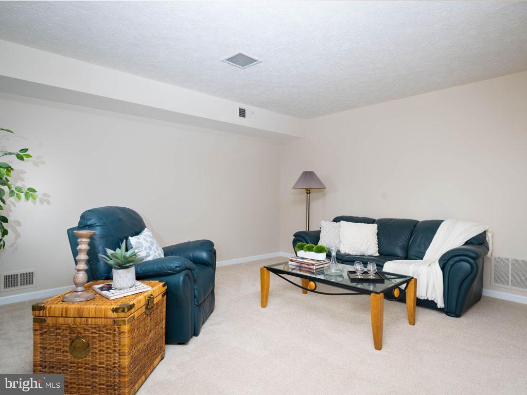 VAFX1168526-304431262383-2021-07-16-14-25-10  |   | Alexandria Delaware Real Estate For Sale | MLS# Vafx1168526  - Best of Northern Virginia