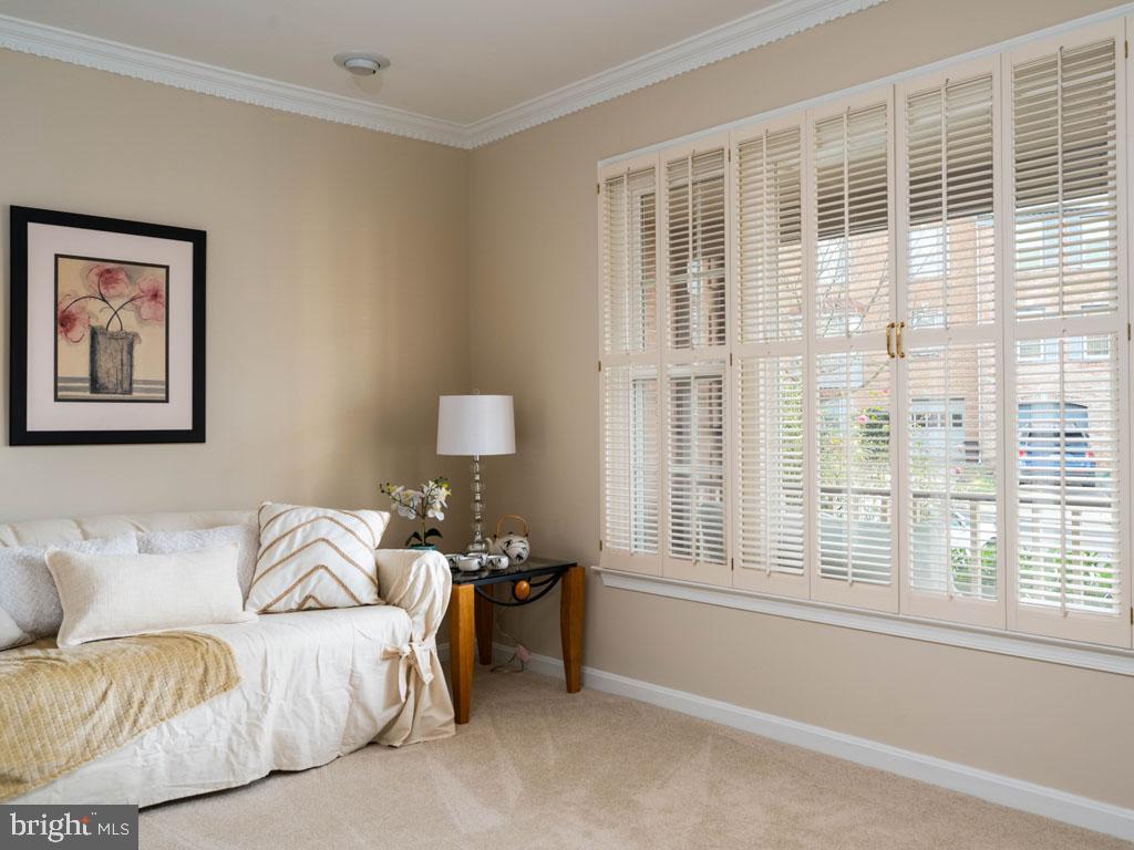 VAFX1168526-304431263787-2021-07-16-14-25-10  |   | Alexandria Delaware Real Estate For Sale | MLS# Vafx1168526  - Best of Northern Virginia