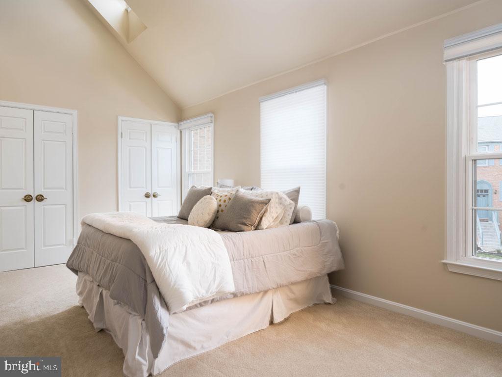 VAFX1168526-304431263799-2021-07-16-14-25-10  |   | Alexandria Delaware Real Estate For Sale | MLS# Vafx1168526  - Best of Northern Virginia