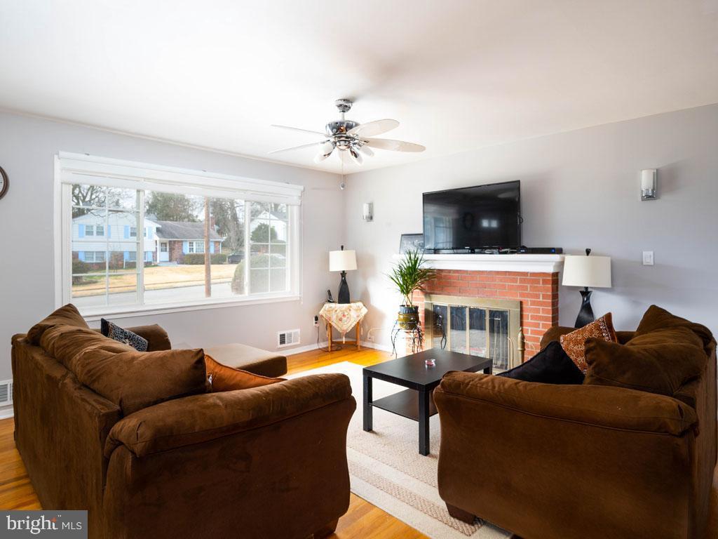 VAFX1175220-304452977262-2021-07-15-11-21-05  |   | Annandale Delaware Real Estate For Sale | MLS# Vafx1175220  - Best of Northern Virginia