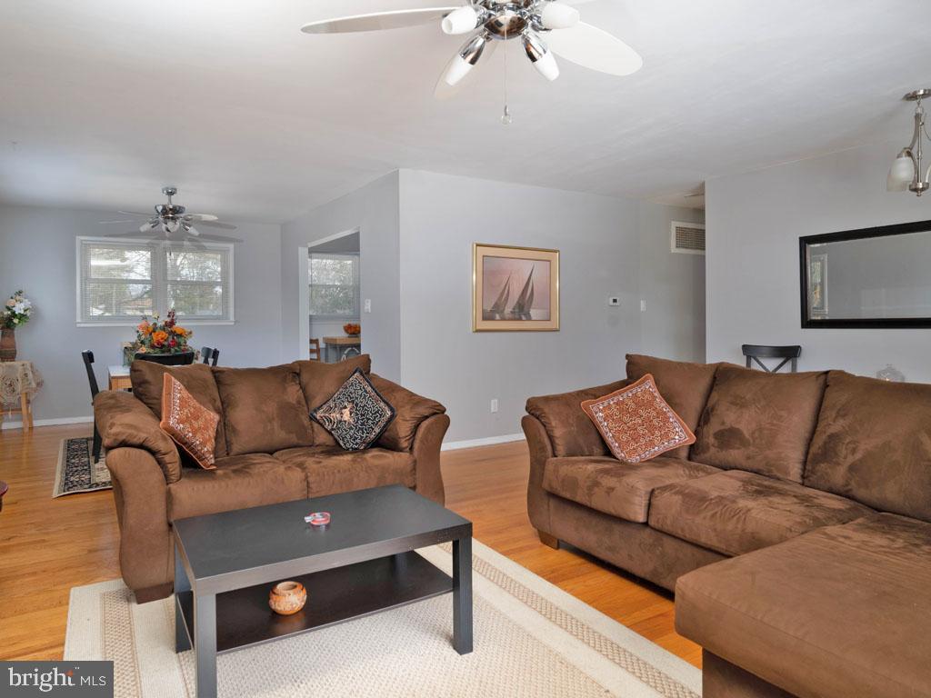 VAFX1175220-304453056854-2021-07-15-11-21-03  |   | Annandale Delaware Real Estate For Sale | MLS# Vafx1175220  - Best of Northern Virginia