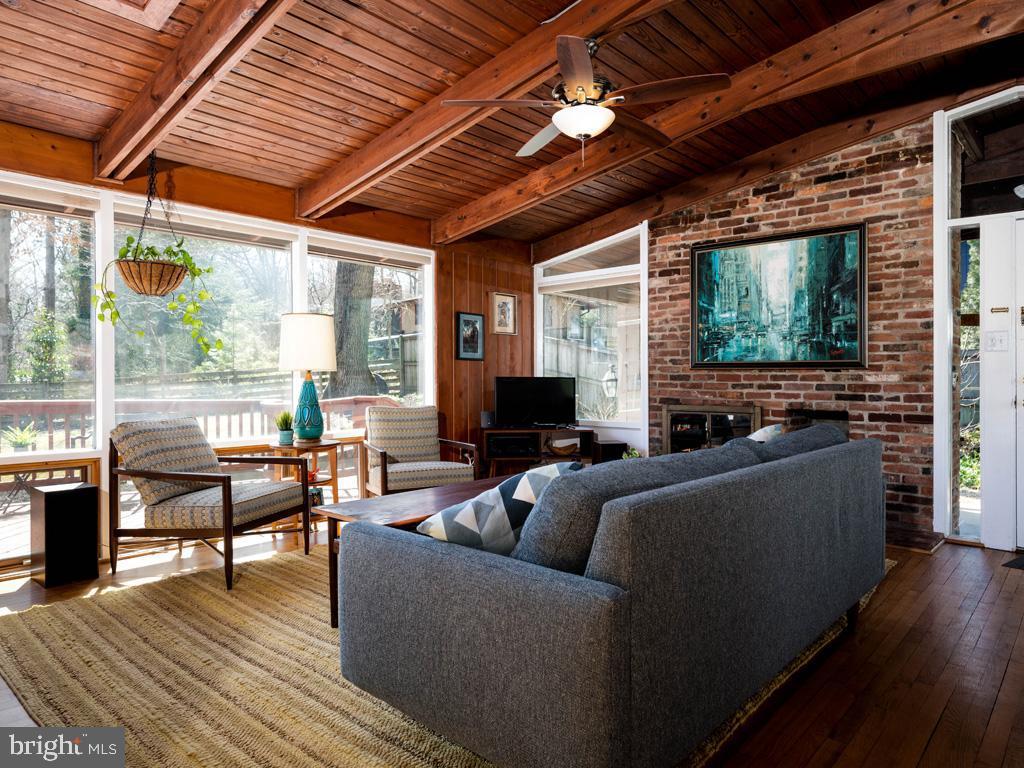 VAFX1183548-304522542969-2021-07-15-21-44-20  |   | Falls Church Delaware Real Estate For Sale | MLS# Vafx1183548  - Best of Northern Virginia