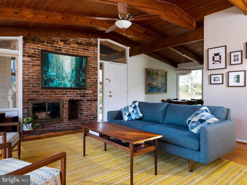 VAFX1183548-304522542987-2021-07-15-21-44-22  |   | Falls Church Delaware Real Estate For Sale | MLS# Vafx1183548  - Best of Northern Virginia