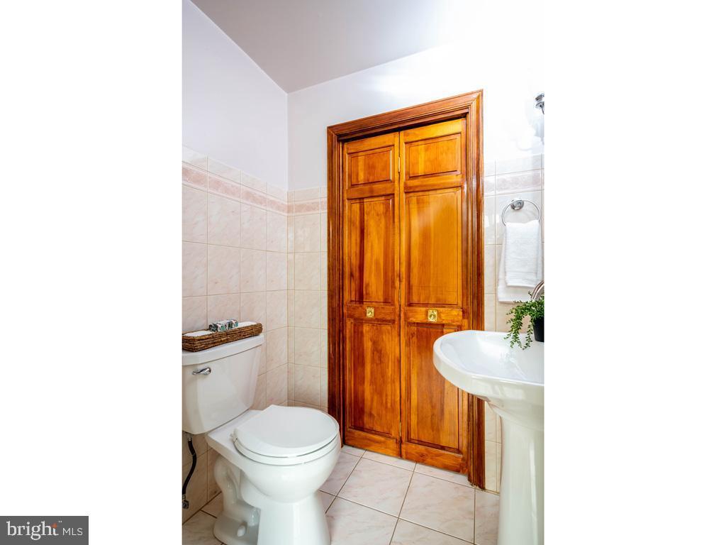 VAFX1185520-304546154540-2021-07-15-22-10-31  |   | Alexandria Delaware Real Estate For Sale | MLS# Vafx1185520  - Best of Northern Virginia