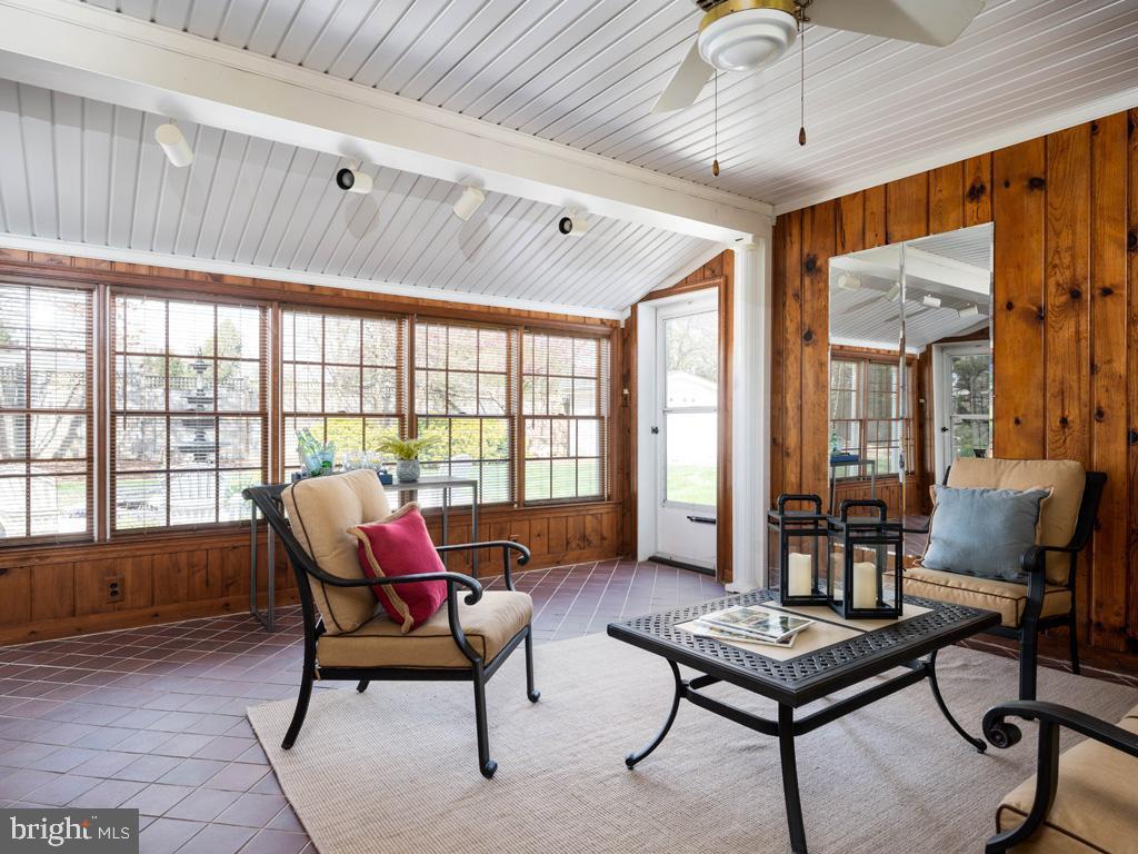 VAFX1185520-304546154586-2021-07-15-22-10-28  |   | Alexandria Delaware Real Estate For Sale | MLS# Vafx1185520  - Best of Northern Virginia