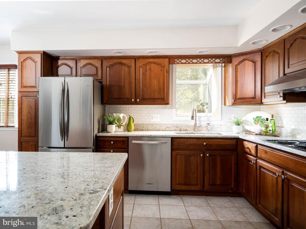 VAFX1191842-304550659037-2021-07-15-22-10-48  |   | Annandale Delaware Real Estate For Sale | MLS# Vafx1191842  - Best of Northern Virginia