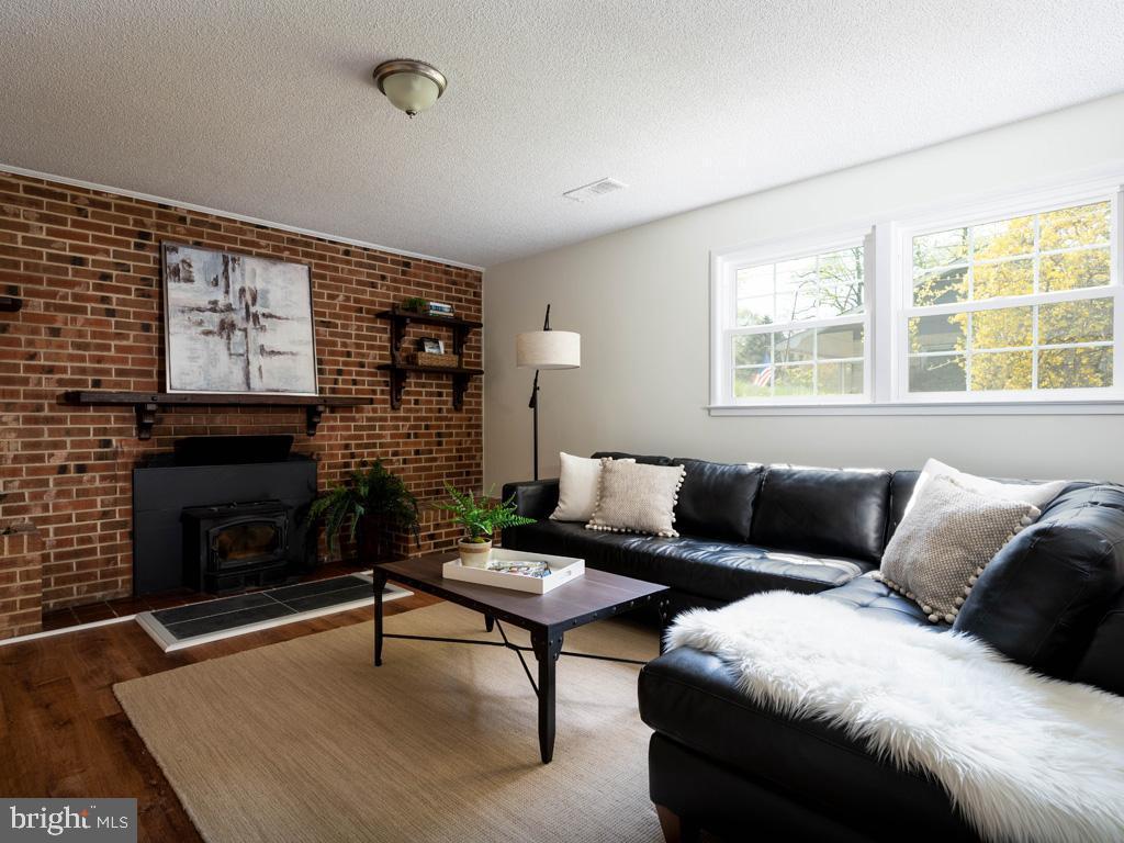 VAFX1191842-304550659742-2021-07-15-22-10-50  |   | Annandale Delaware Real Estate For Sale | MLS# Vafx1191842  - Best of Northern Virginia