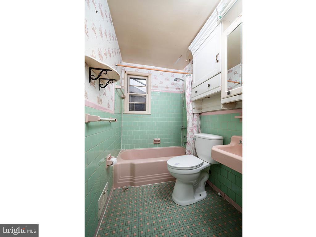 VAFX1193654-304572511371-2021-07-15-22-36-48        Falls Church Delaware Real Estate For Sale   MLS# Vafx1193654  - Best of Northern Virginia