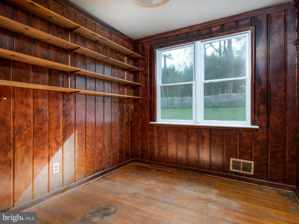 VAFX1193654-304572511392-2021-07-15-22-36-47        Falls Church Delaware Real Estate For Sale   MLS# Vafx1193654  - Best of Northern Virginia