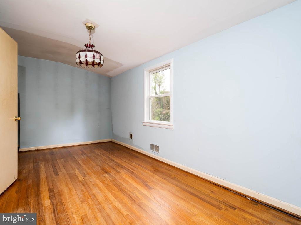 VAFX1193654-304572512498-2021-07-15-22-36-48        Falls Church Delaware Real Estate For Sale   MLS# Vafx1193654  - Best of Northern Virginia