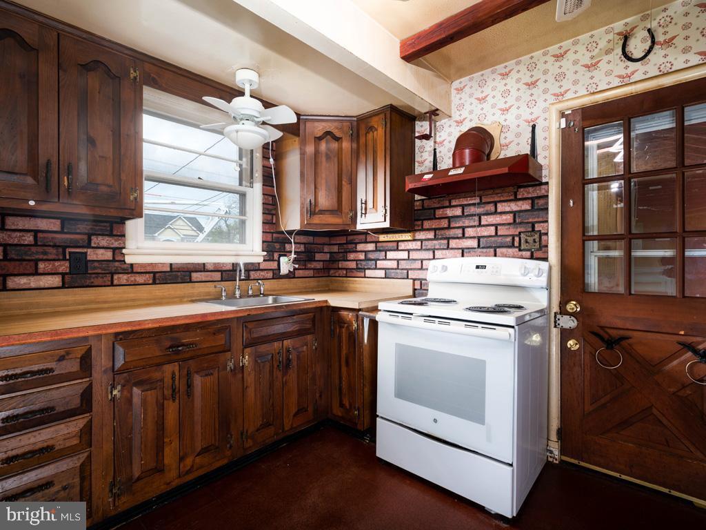 VAFX1193654-304572512691-2021-07-15-22-36-48        Falls Church Delaware Real Estate For Sale   MLS# Vafx1193654  - Best of Northern Virginia