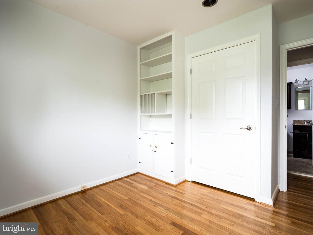 VAFX1196174-800789463028-2021-07-15-01-42-34        Alexandria Delaware Real Estate For Sale   MLS# Vafx1196174  - Best of Northern Virginia