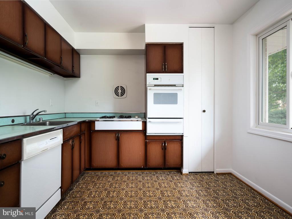 VAFX1196174-800789463722-2021-07-15-01-42-34        Alexandria Delaware Real Estate For Sale   MLS# Vafx1196174  - Best of Northern Virginia