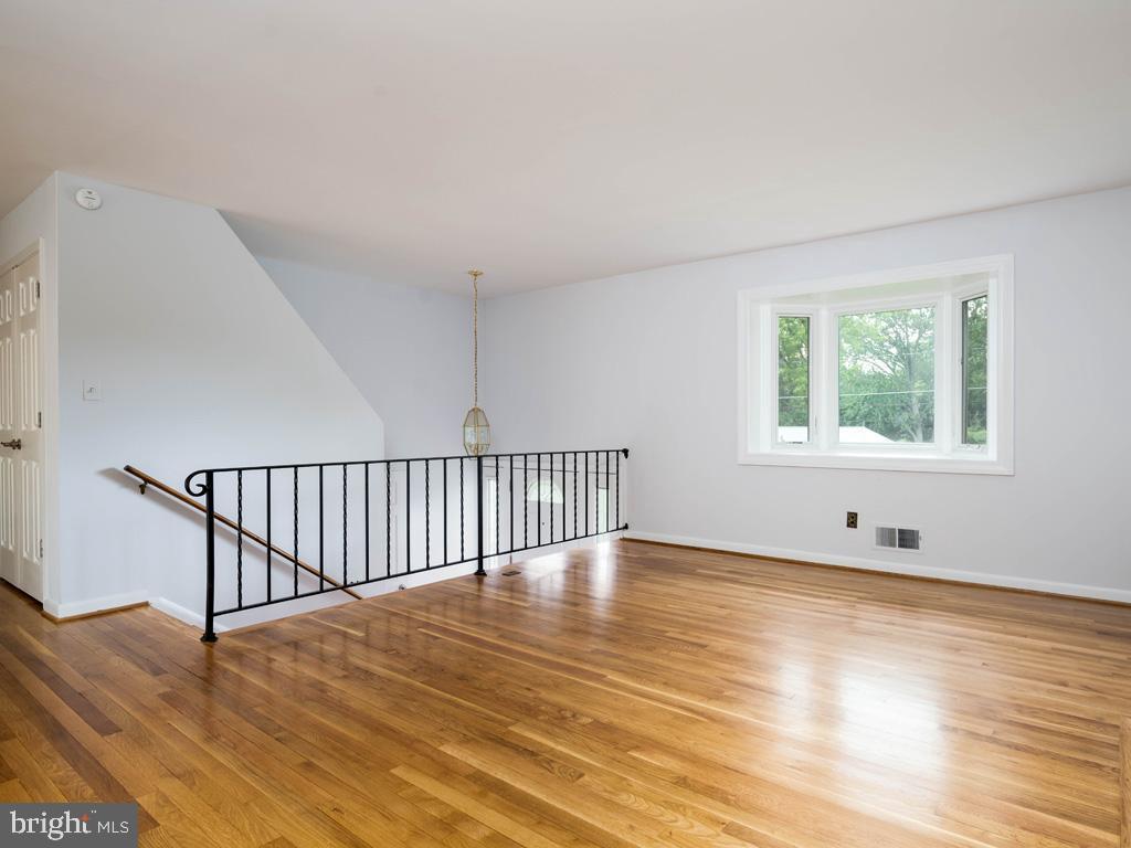 VAFX1196174-800789464124-2021-07-15-01-42-34        Alexandria Delaware Real Estate For Sale   MLS# Vafx1196174  - Best of Northern Virginia