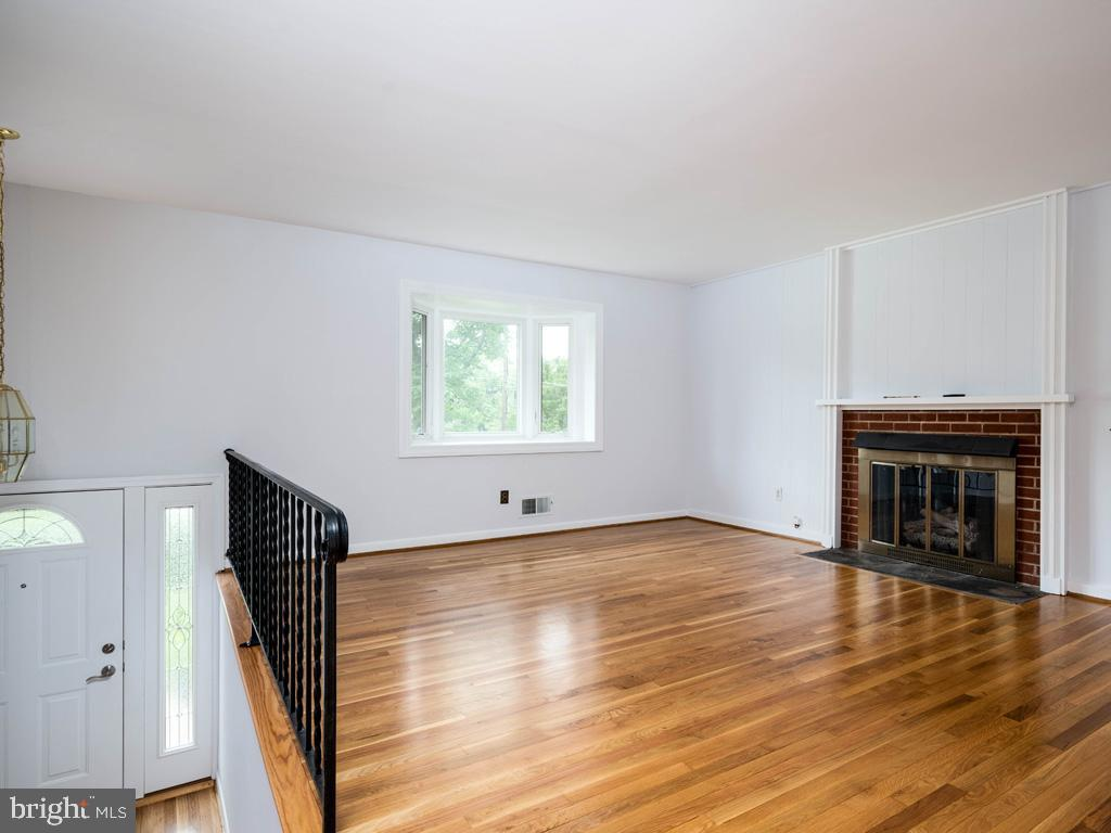 VAFX1196174-800789464164-2021-07-15-01-42-35        Alexandria Delaware Real Estate For Sale   MLS# Vafx1196174  - Best of Northern Virginia