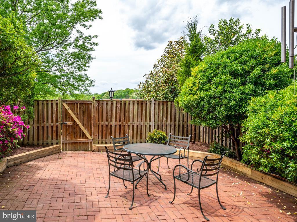 VAFX1198254-304590570575-2021-07-15-23-14-35  |   | Alexandria Delaware Real Estate For Sale | MLS# Vafx1198254  - Best of Northern Virginia