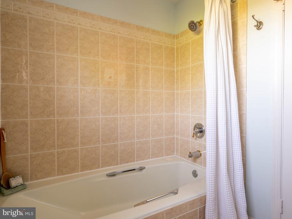 VAFX1198254-304594531048-2021-07-15-23-14-35  |   | Alexandria Delaware Real Estate For Sale | MLS# Vafx1198254  - Best of Northern Virginia